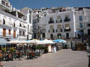 Plein met terrassen achter vakantiehuis 6 personen Spanje  Casa Solar
